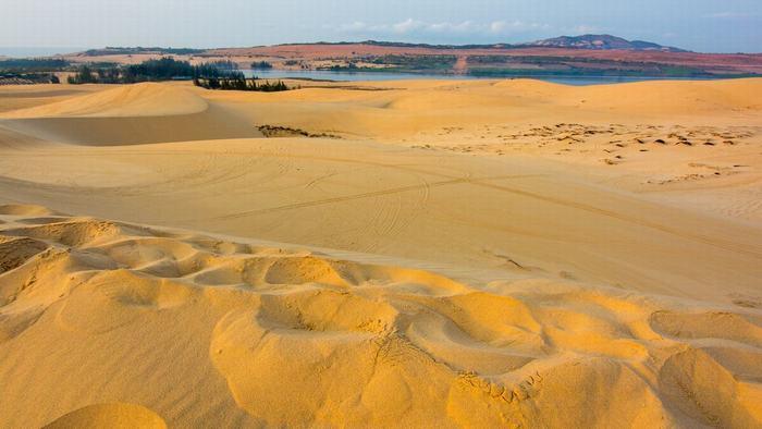 Stunning sand dunes in Mui Ne