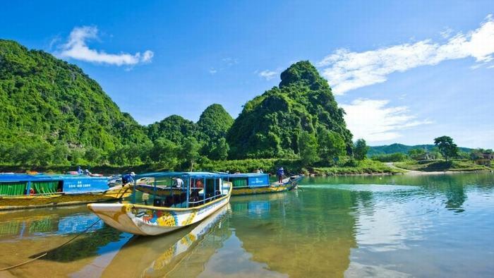 Explore Quang Binh