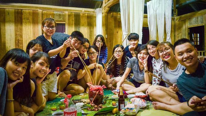 enjoy rice wine in Mai Chau