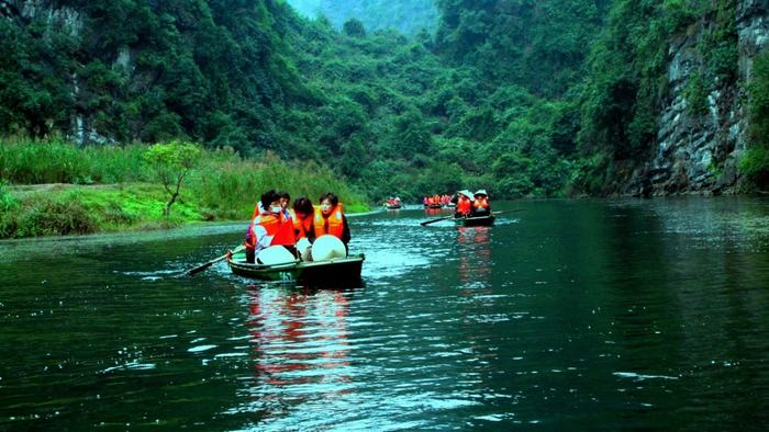 Explore Trang An by boat