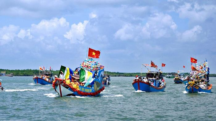 Nghinh Ong Festival