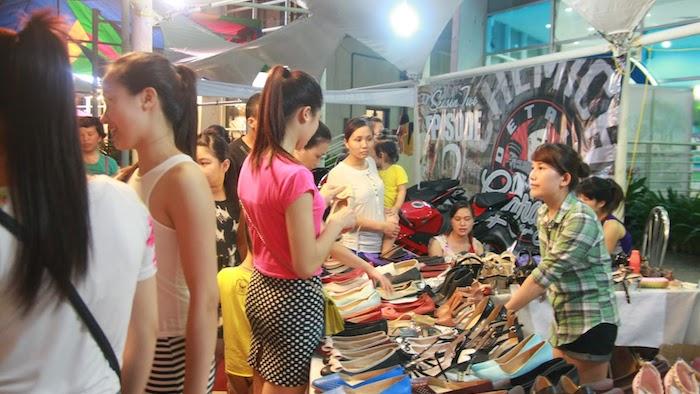 Flea market in Halong