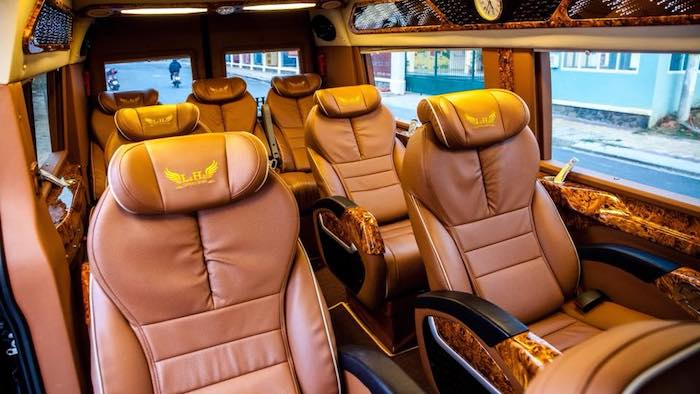 There are many cars providing luxury services for you to go to Mai Chau