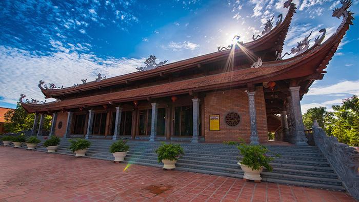 Truc Lam Phuong Nam Monastery