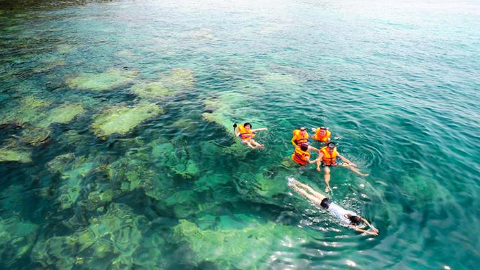 The clear water in Nam Du archipelago