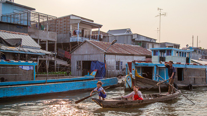 The rustic and interesting life in Chau Doc floating village