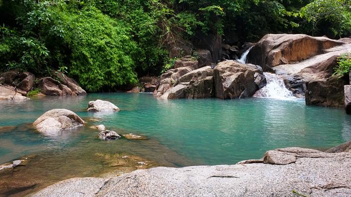 The pristine and clear water of Da Ban stream