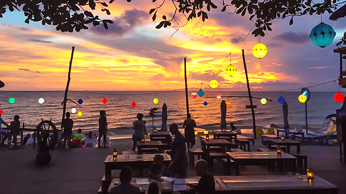 The beautiful sunset at Rory's Beach Bar