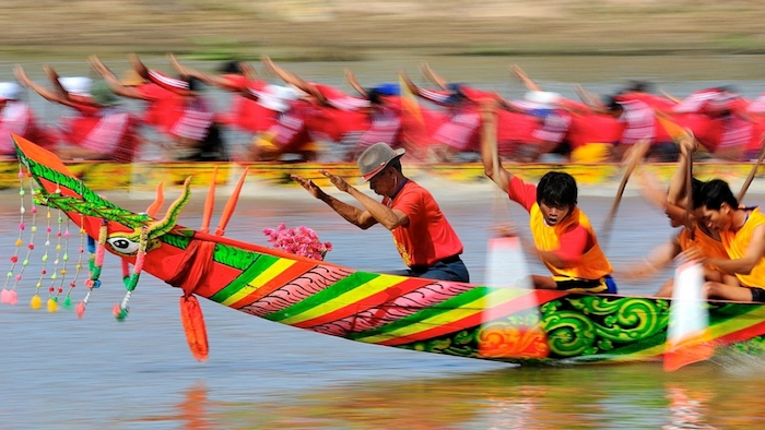 A boat race in Soc Trang province