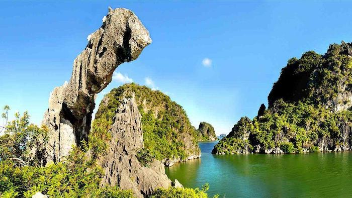 Scenery in Halong Bay