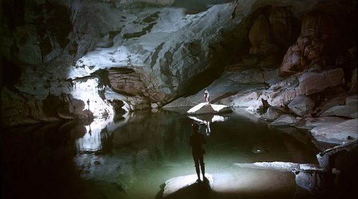The lake of Me Cung cave