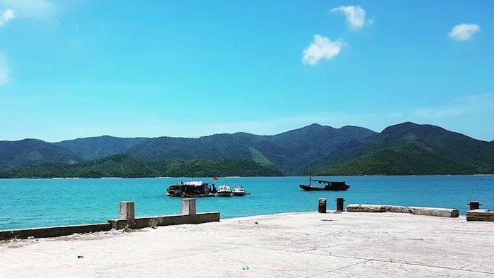The port in Quan Lan