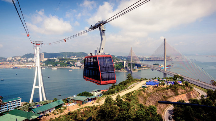 The Queen cable car of Halong Bay