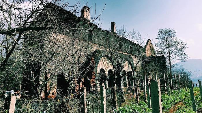Ta Phin stone monastery