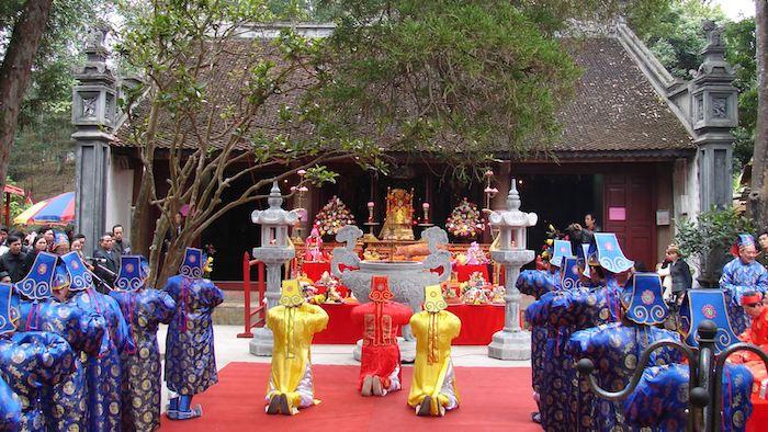 Thuong temple festival
