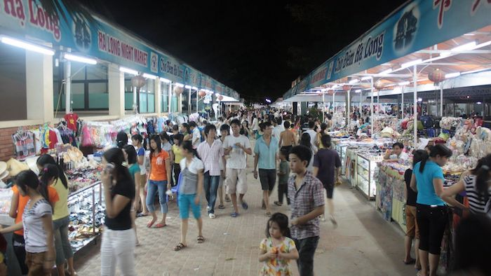 Halong night market