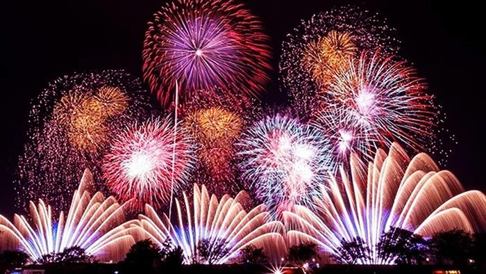 Firework display in Tet (baomoi.com)