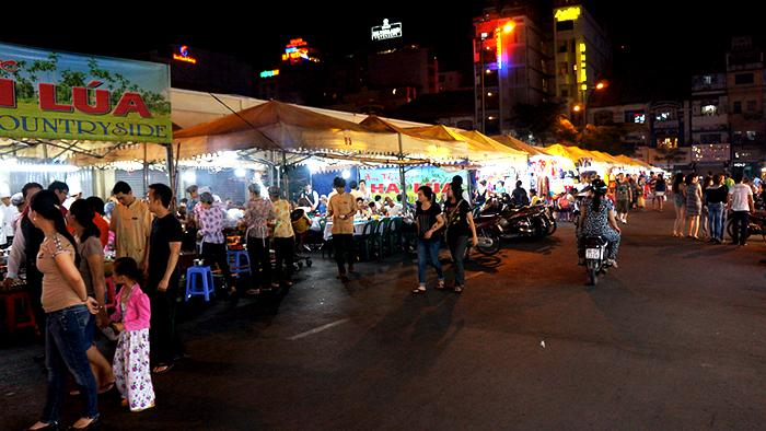 Binh Tay Night Market