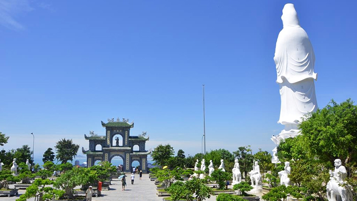 The highest statue of Avalokitesvara in Linh Ung pagoda