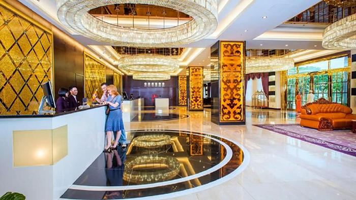 Royal Halong Hotel (via touristcompanies.online)