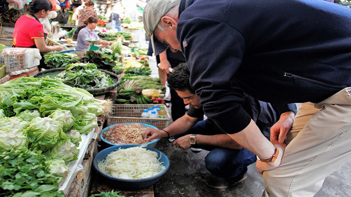 Nghia Tan Market