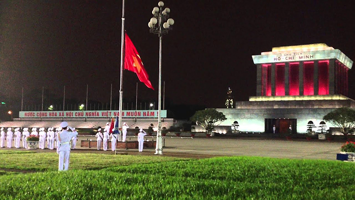 The lowering flag ceremony at Ho Chi Minh's mausoleum