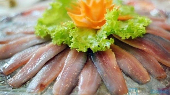 Fresh herring salad (goi ca trich)