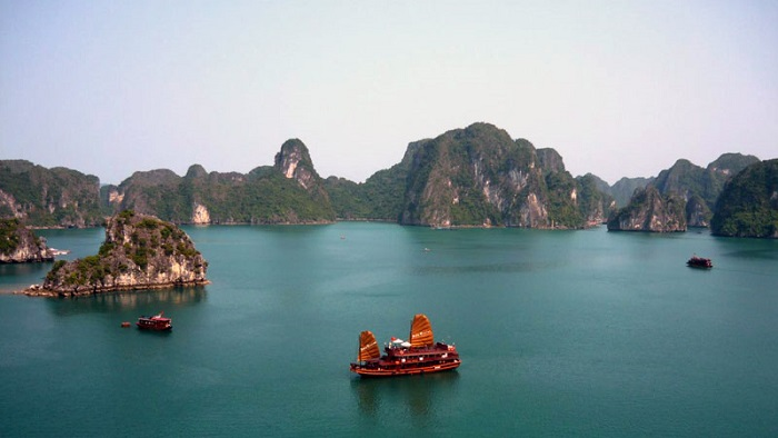 7 reasons to visit Halong Bay