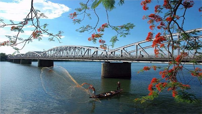 Admire the charming beauty of Perfume River