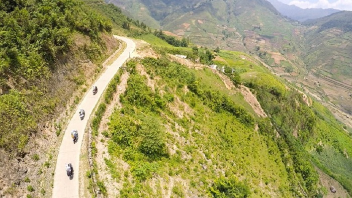 Conquer the four great mountain passes in Northern Vietnam