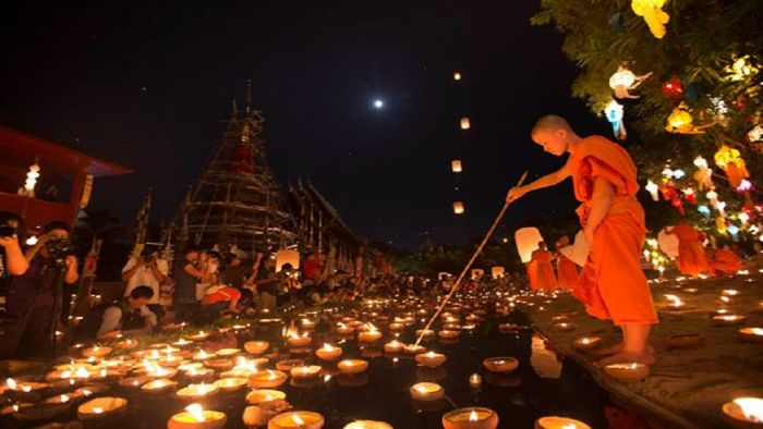 Khmer prep for moon worship festival