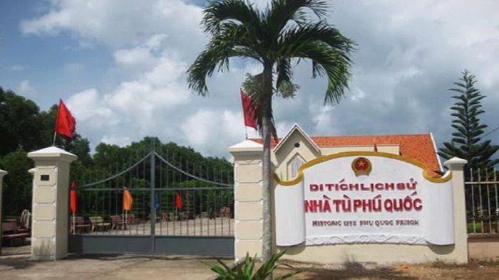 Coconut tree prison