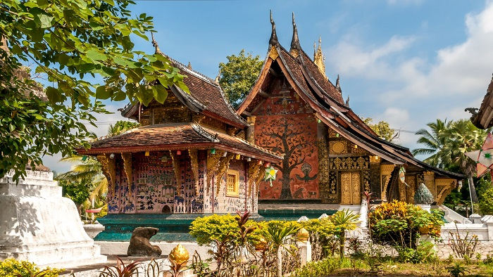 Discover Wat Xieng Thong - the most ancient temple in Laos