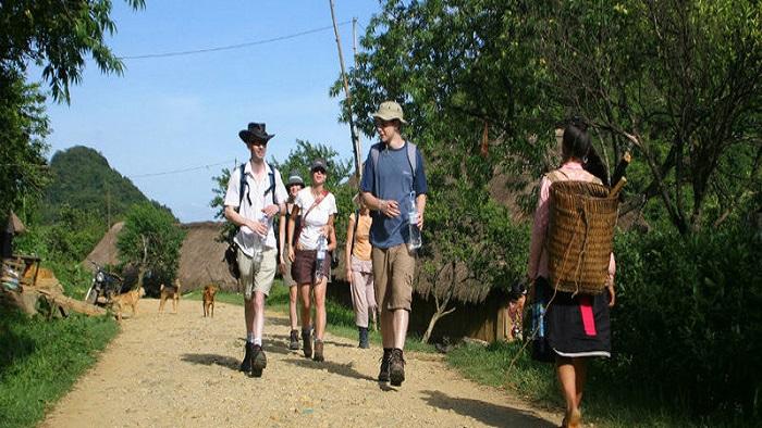 Mai Chau tourism: Climbing experience