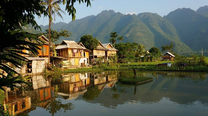 Splitting houses - an interesting feature in Mai Chau