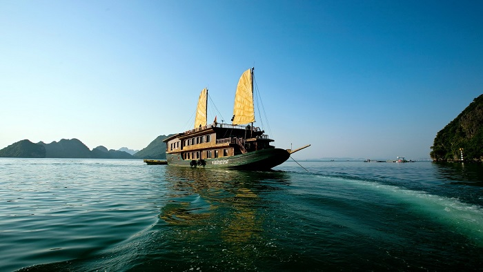 Top 4 luxury cruises in Halong Bay 2018