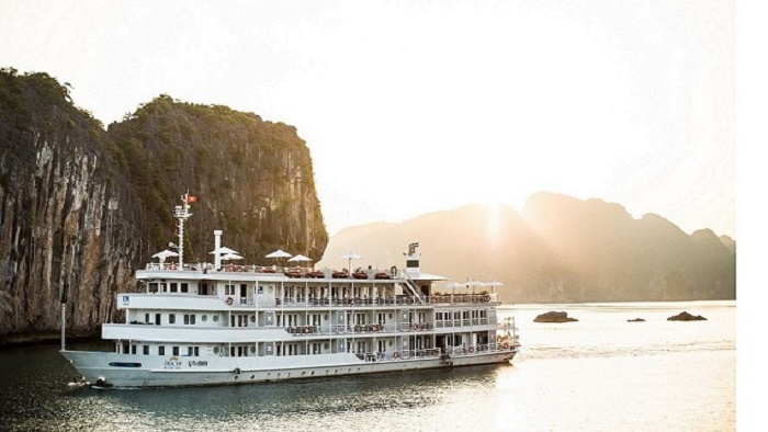 Top 5 Best Cruises You Should Take In Halong Bay