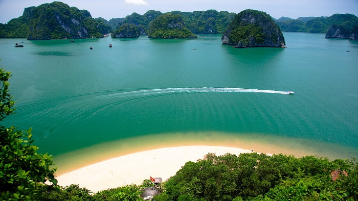 Top 7 beaches you cannot ignore in Halong Bay this summer