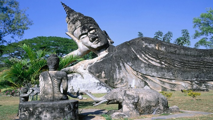 Visit The Buddha Park -The Unique Buddhism Garden In Laos