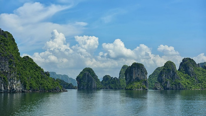 When is the best time to go to Halong, Vietnam